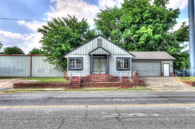 2221 E 3rd Street S, Tulsa, OK 74104 (MLS #1820090) :: Hopper Group at RE/MAX Results