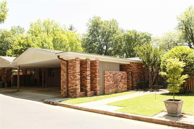 2132 E 59th Street A2, Tulsa, OK 74105 (MLS #1821419) :: Hopper Group at RE/MAX Results