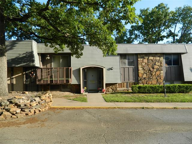 4620 E 68th Street S #116, Tulsa, OK 74136 (MLS #1821670) :: Hopper Group at RE/MAX Results