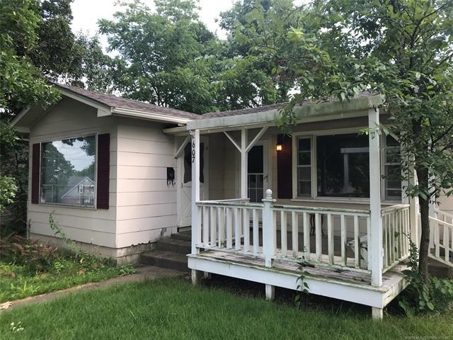 607 W Delaware Street, Tahlequah, OK 74464 (MLS #1821720) :: Hopper Group at RE/MAX Results