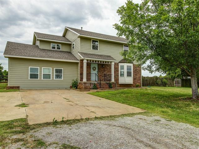 13902 S 241st East Avenue, Coweta, OK 74429 (MLS #1821761) :: Hopper Group at RE/MAX Results