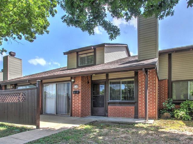 1106 S 111th East Avenue 2-3C, Tulsa, OK 74128 (MLS #1821800) :: Brian Frere Home Team