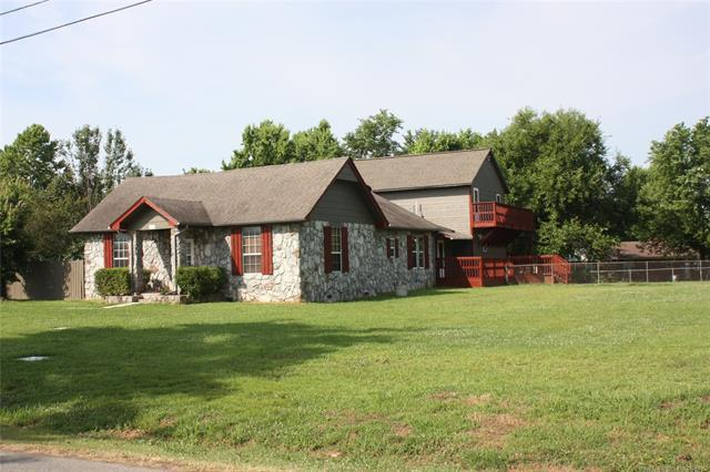 211 S Scott Street, Fort Gibson, OK 74434 (MLS #1822116) :: Hopper Group at RE/MAX Results