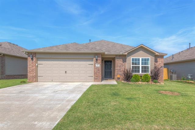 6622 N 128th East Avenue, Owasso, OK 74055 (MLS #1822332) :: Hopper Group at RE/MAX Results