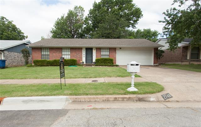 2748 S 135th East Avenue, Tulsa, OK 74134 (MLS #1822581) :: Brian Frere Home Team