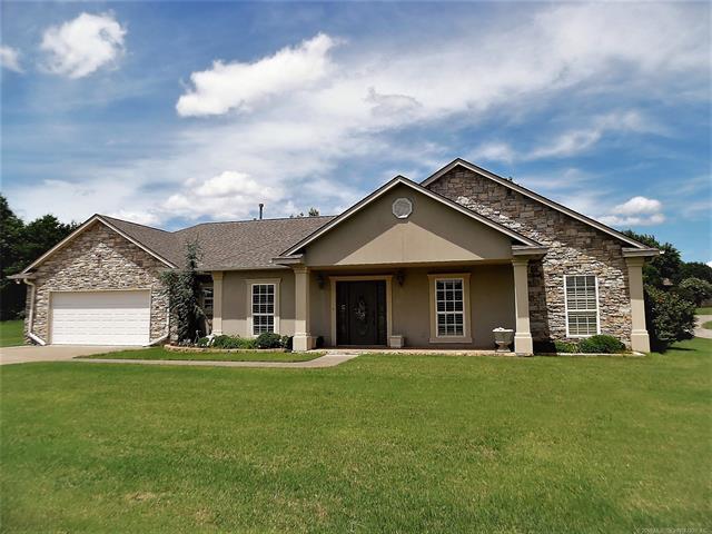 823 S Briarwood Lane, Cushing, OK 74023 (MLS #1822590) :: Hopper Group at RE/MAX Results