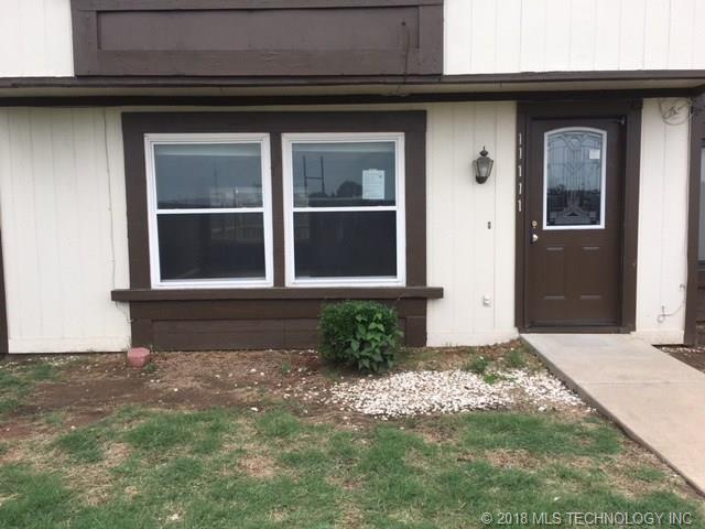 11111 E 13th Place 5B1, Tulsa, OK 74128 (MLS #1823089) :: Brian Frere Home Team