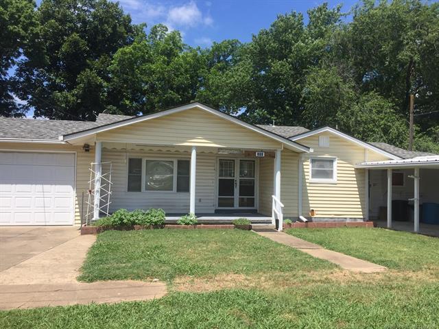 206 N Bristow Avenue, Coweta, OK 74429 (MLS #1823117) :: Hopper Group at RE/MAX Results