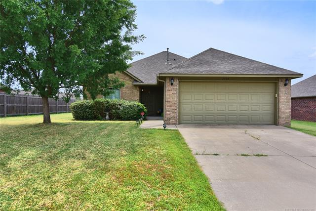 3319 E Gillette Street, Broken Arrow, OK 74014 (MLS #1823171) :: American Home Team