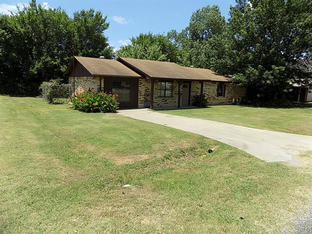201 Kelly Street, Holdenville, OK 74848 (MLS #1823222) :: Hopper Group at RE/MAX Results