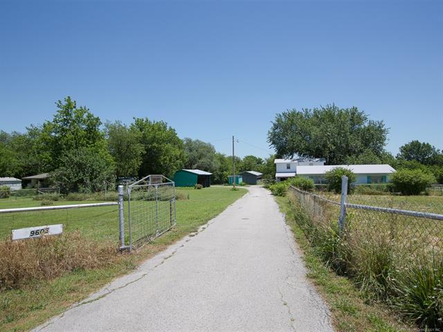 9603 N Memorial Drive, Owasso, OK 74055 (MLS #1823281) :: Hopper Group at RE/MAX Results