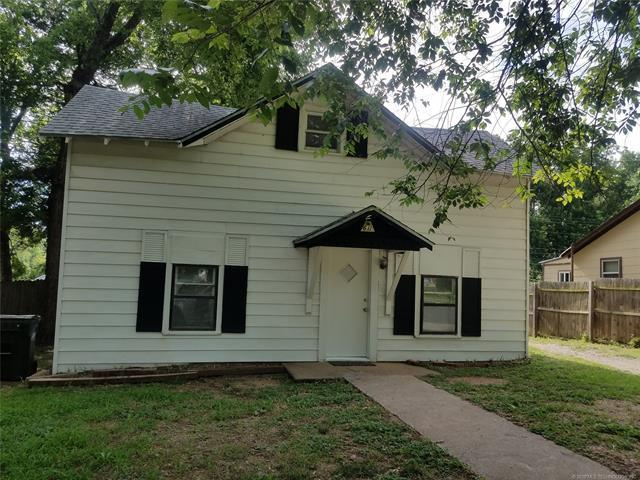 611 N Division Street, Cleveland, OK 74020 (MLS #1823324) :: Hopper Group at RE/MAX Results