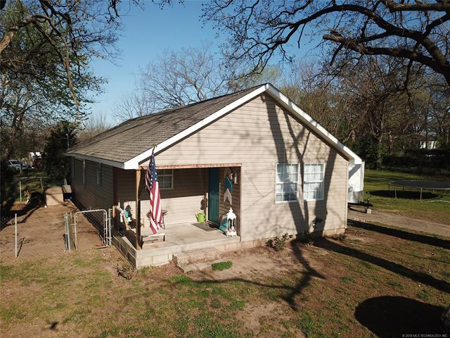 303 N Fountain Street, Salina, OK 74365 (MLS #1823686) :: Hopper Group at RE/MAX Results