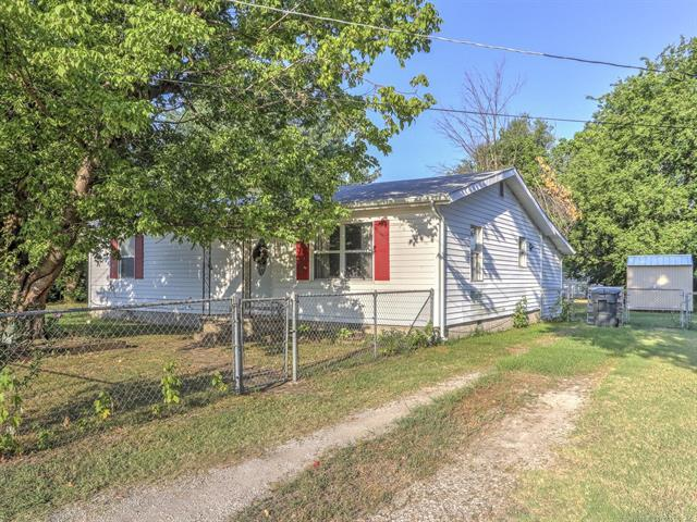 216 N 3rd Street, Sperry, OK 74073 (MLS #1824486) :: Hopper Group at RE/MAX Results