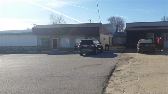 3306 W 61st Street, Tulsa, OK 74131 (MLS #1825051) :: American Home Team