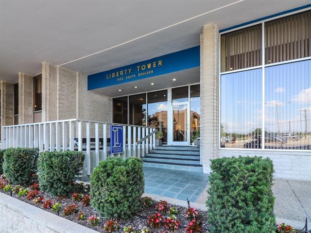 1502 S Boulder Avenue 10L, Tulsa, OK 74119 (MLS #1825434) :: Hopper Group at RE/MAX Results