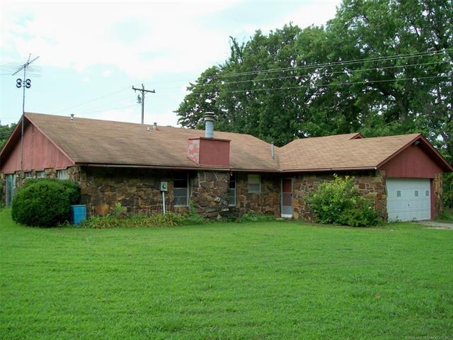 110181 Hwy 150, Checotah, OK 74426 (MLS #1825439) :: Brian Frere Home Team