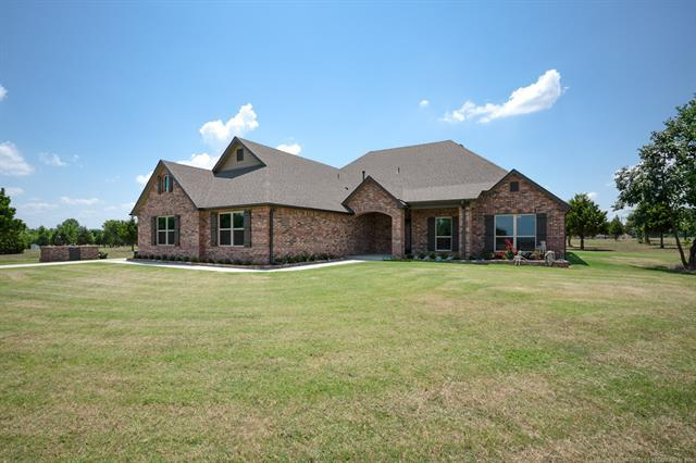 3398 E 426 Road, Oologah, OK 74053 (MLS #1825547) :: Hopper Group at RE/MAX Results