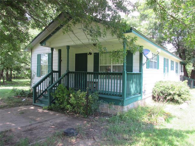 412285 E 1030 Road, Council Hill, OK 74428 (MLS #1825722) :: Brian Frere Home Team