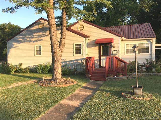 912 E 9th Street, Pawhuska, OK 74056 (MLS #1825764) :: Brian Frere Home Team