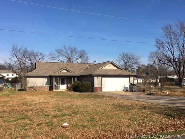 1007 SE 5 Th Street, Wagoner, OK 74467 (MLS #1825784) :: Hopper Group at RE/MAX Results