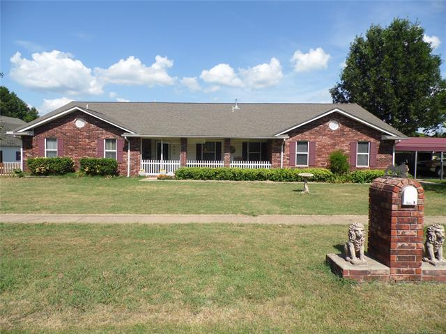 400 N State Street, Wagoner, OK 74467 (MLS #1826099) :: Hopper Group at RE/MAX Results