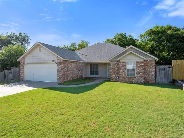 2010 W 4th Place S, Claremore, OK 74017 (MLS #1826317) :: Hopper Group at RE/MAX Results