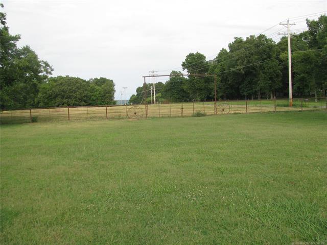 19886 E Willis Road, Tahlequah, OK 74464 (MLS #1826527) :: Hopper Group at RE/MAX Results