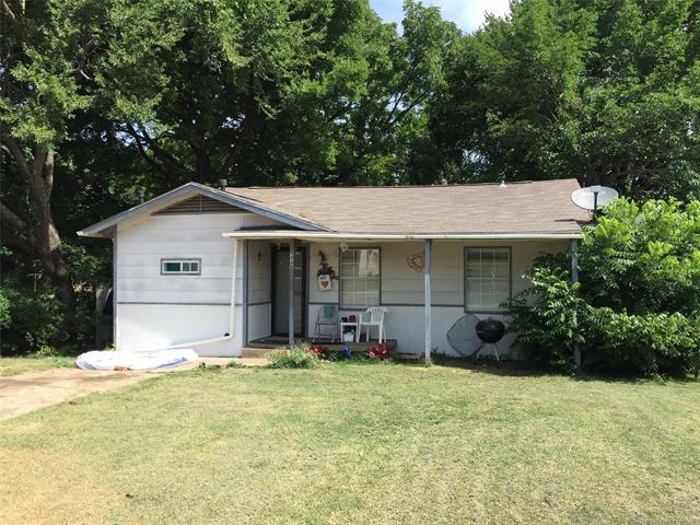 224 E 16th Street, Ada, OK 74820 (MLS #1826667) :: Hopper Group at RE/MAX Results