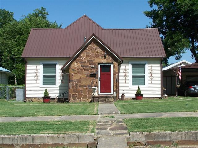 311 S 4th Street, Eufaula, OK 74432 (MLS #1826924) :: Hopper Group at RE/MAX Results