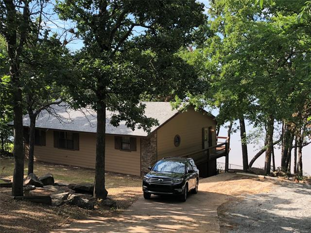 1526 Robin Hood Road, Eufaula, OK 74432 (MLS #1827155) :: American Home Team