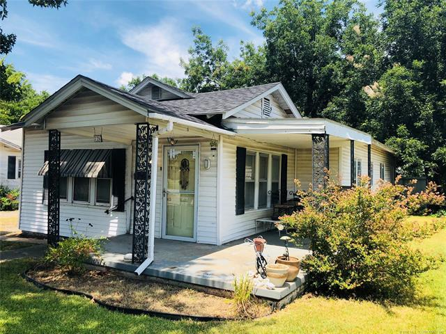 726 E 15th Street, Ada, OK 74820 (MLS #1827316) :: Hopper Group at RE/MAX Results