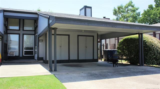 7026 E 33rd Street #111, Tulsa, OK 74145 (MLS #1827717) :: Hopper Group at RE/MAX Results