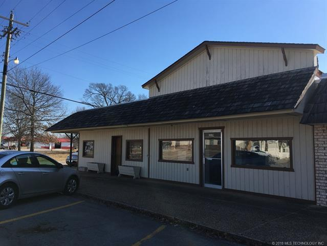 119 W Main Street, Chouteau, OK 74337 (MLS #1827936) :: Hopper Group at RE/MAX Results