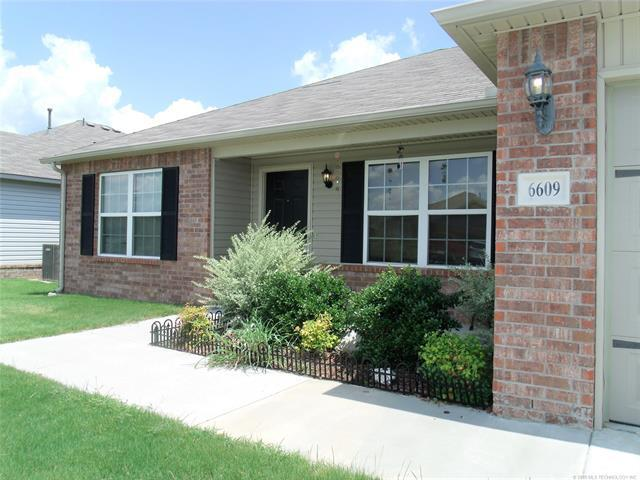 6609 N 128th East Avenue, Owasso, OK 74055 (MLS #1828492) :: Hopper Group at RE/MAX Results
