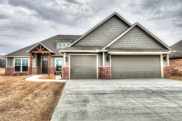 13815 N 133rd East Avenue, Collinsville, OK 74021 (MLS #1828754) :: Hopper Group at RE/MAX Results