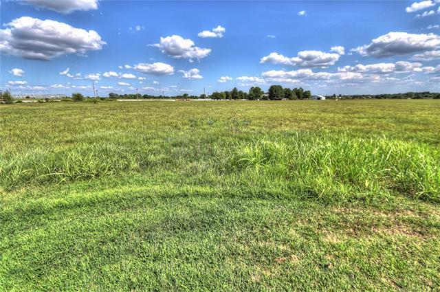 S Lombard Lane, Skiatook, OK 74070 (MLS #1828758) :: Hopper Group at RE/MAX Results
