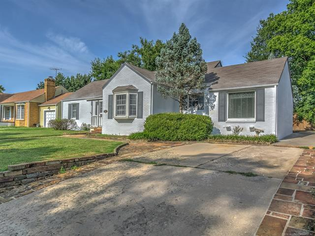 1601 Cherokee Place, Bartlesville, OK 74003 (MLS #1829973) :: American Home Team