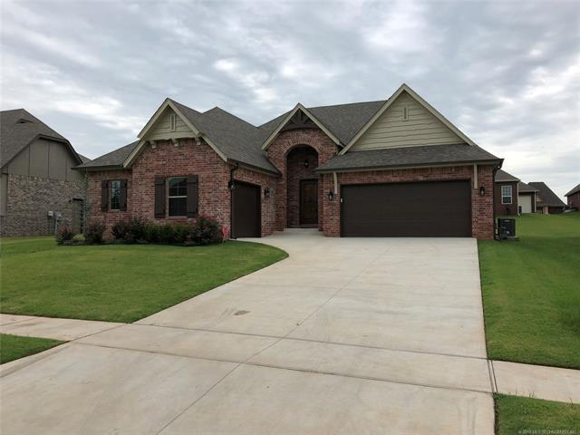 6020 S 14th Street, Broken Arrow, OK 74011 (MLS #1830404) :: 918HomeTeam - KW Realty Preferred
