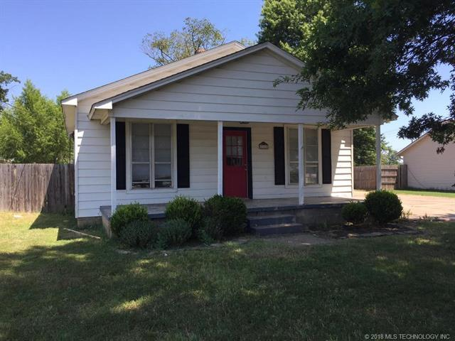1218 W Dupont Street, Claremore, OK 74017 (MLS #1830632) :: Hopper Group at RE/MAX Results