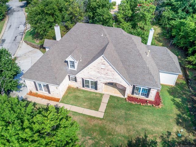 4405 E 79th Street, Tulsa, OK 74136 (MLS #1830641) :: 918HomeTeam - KW Realty Preferred