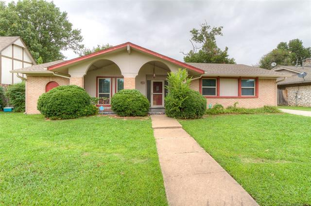 12321 E 39th Street, Tulsa, OK 74146 (MLS #1830657) :: 918HomeTeam - KW Realty Preferred