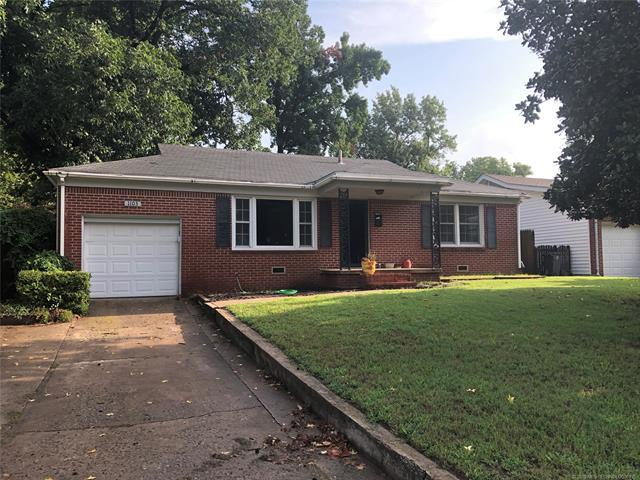 1103 E 49th Street, Tulsa, OK 74105 (MLS #1830659) :: 918HomeTeam - KW Realty Preferred
