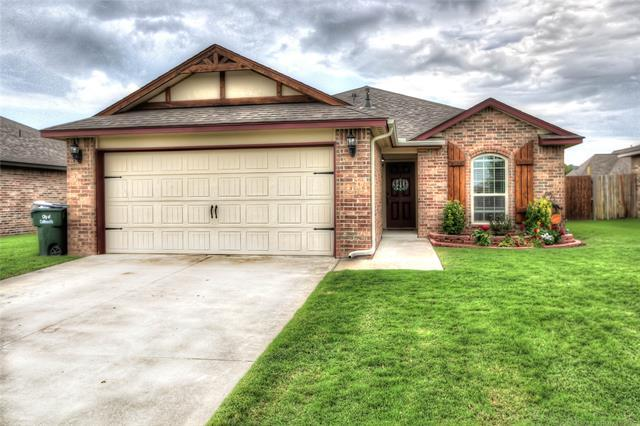 13116 E 133rd Street North, Collinsville, OK 74021 (MLS #1831819) :: Hopper Group at RE/MAX Results