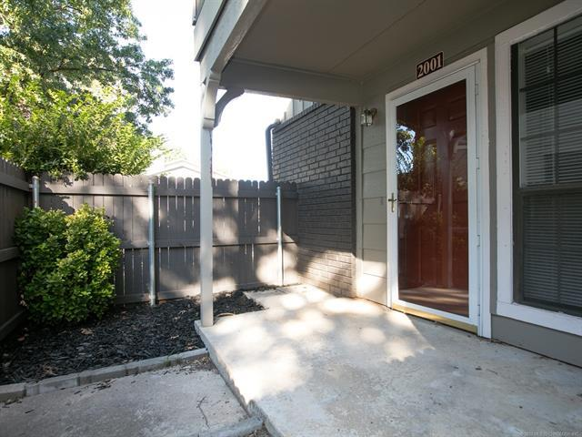 9012 S College Avenue #2001, Tulsa, OK 74137 (MLS #1832071) :: Hopper Group at RE/MAX Results