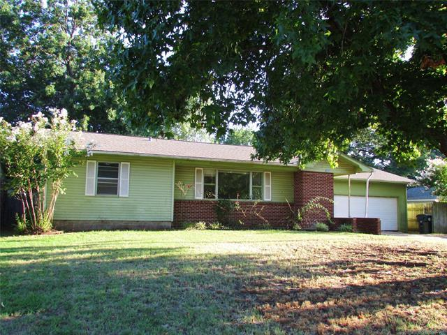 2503 Irving Street, Muskogee, OK 74403 (MLS #1832361) :: Hopper Group at RE/MAX Results