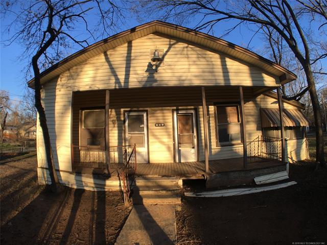 217 SE 2nd Street, Durant, OK 74701 (MLS #1832386) :: American Home Team