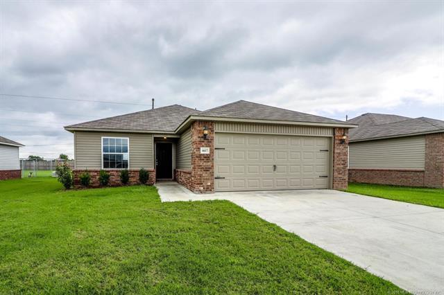 6617 N 128th East Court, Owasso, OK 74055 (MLS #1832639) :: Hopper Group at RE/MAX Results