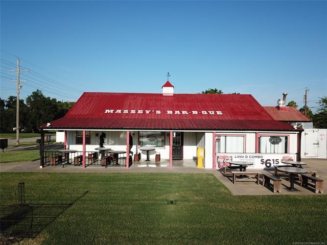 200 N Wood Drive, Okmulgee, OK 74447 (MLS #1832782) :: Hopper Group at RE/MAX Results