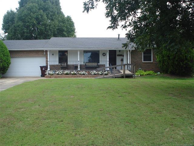 600 Woodland Street, Eufaula, OK 74432 (MLS #1833109) :: Hopper Group at RE/MAX Results